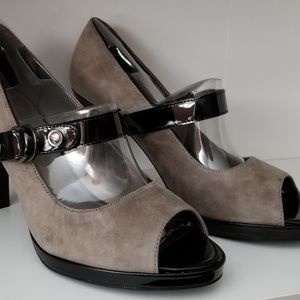 Gray lair of heels NEW